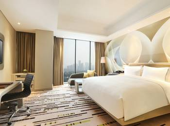 DoubleTree by Hilton Jakarta -  Diponegoro - Deluxe Room Only  Regular Plan