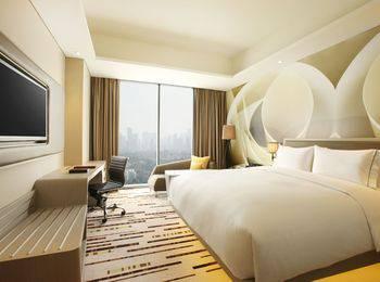 DoubleTree by Hilton Jakarta -  Diponegoro - Guestroom Room Only Regular Plan