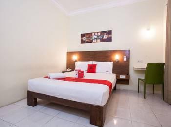 RedDoorz Plus near Marvell City Mall Surabaya - RedDoorz Room Regular Plan