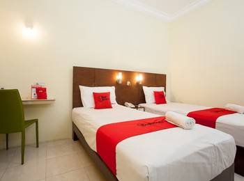 RedDoorz near Marvel City Mall Surabaya - RedDoorz Twin Room with Breakfast Regular Plan