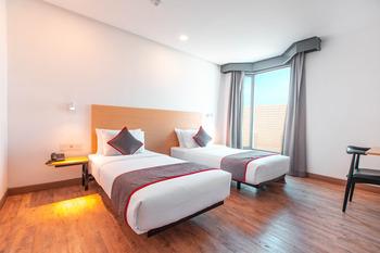 OYO Townhouse 1 Hotel  Salemba Jakarta - Deluxe Twin Room Regular Plan