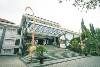RedDoorz Premium @ Mataram City Center