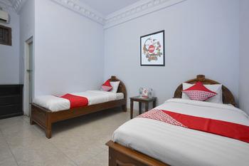 OYO 586 Hotel Wijaya Near RSUD Prambanan Yogyakarta - Standard Twin Room Regular Plan