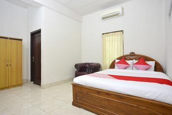 OYO 586 Hotel Wijaya Near RSUD Prambanan Yogyakarta - Suite Double Regular Plan