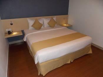 Hotel 88 Embong Malang - Superior Room Super Deal