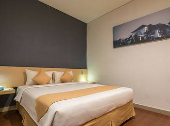 Hotel 88 Embong Malang - Superior Room Regular Plan