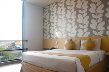 Hotel 88 Embong Malang - Superior Twin Bed Favorite Deal
