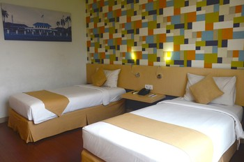 Hotel 88 Embong Malang - Superior Twin Room Only Regular Plan