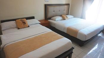 Krisna Beach Hotel 2 Pangandaran by CILAS Pangandaran - Superior Room Twin - Room Only Regular Plan