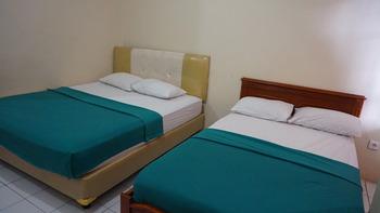 Krisna Beach Hotel 2 Pangandaran by CILAS Pangandaran - Deluxe Room Twin - Room Only Regular Plan