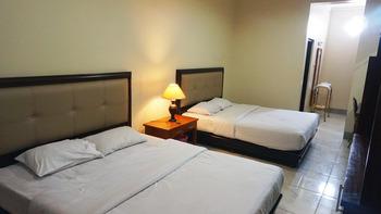 Krisna Beach Hotel 2 Pangandaran by CILAS Pangandaran - Executive Twin Room Only Regular Plan