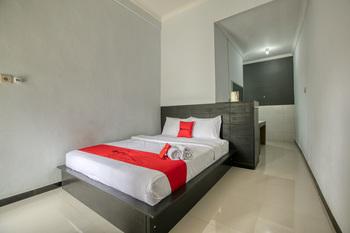 RedDoorz near Exit Toll Nusa Dua Bali - RedDoorz Room Regular Plan