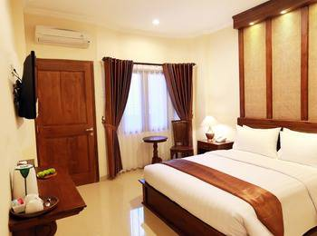 The Garden Suites Hotel Solo - Deluxe Room Only Regular Plan