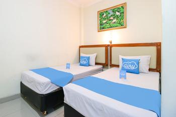 Airy Eco Stasiun Cirebon Kapten Damsur 15 Cirebon - Deluxe Twin Room Only Special Promo Sep 45