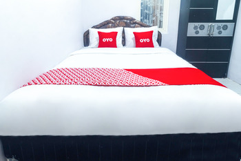 OYO 2699 Haven Boarding House Ambon - Standard Double Room Last Minute Deal