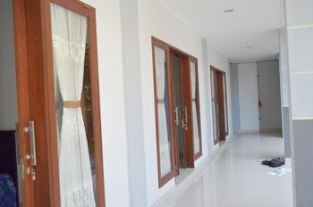 Swandewi Homestay Bali - Deluxe Room Only Regular Plan