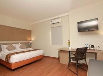 Sparks Lite Hotel Manado - Deluxe Room Regular Plan