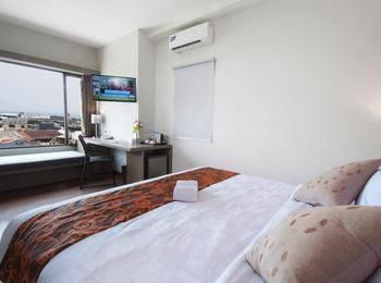 Sparks Lite Hotel Manado - Superior Room Only Regular Plan