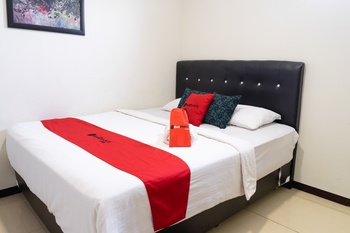 RedDoorz near Setrasari Mall 4 Bandung - RedDoorz Room 24 Hours Deal
