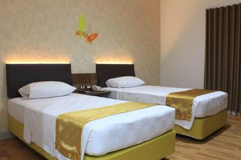 Hotel Salam Asri Kudus - Deluxe Twin Room Regular Plan