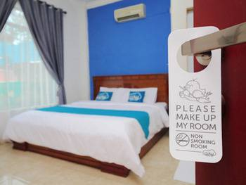 Airy Medan Sunggal Binjai KM 6.7 - Deluxe Double Room Only Special Promo Jan 28