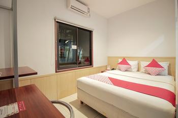 OYO 295 Grha Ciumbuleuit Guest House Bandung - Standard Double Room Last Minute