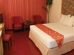 Pardede Hotel Medan - Suite Room - With Breakfast Regular Plan