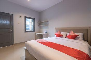 OYO 1310 Urban Residence Jakarta - Deluxe Double Room Regular Plan