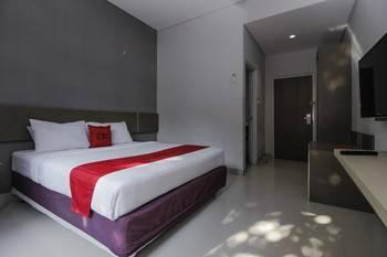 RedDoorz near Gua Sunyaragi Cirebon - RedDoorz Room Regular Plan