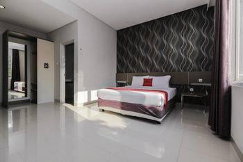 RedDoorz near Goa Sunyaragi Cirebon - RedDoorz Premium 24 Hours Deal