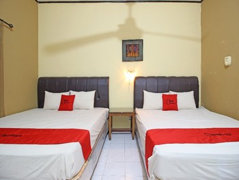 RedDoorz near Pojok Beteng Yogyakarta Yogyakarta - RedDoorz Twin Room with Breakfast Regular Plan