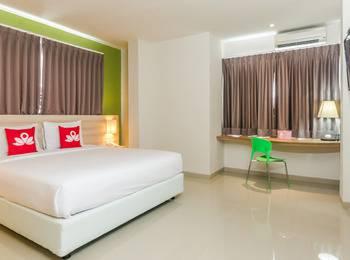 ZenRooms Denpasar Jalan Salak - Double Room (Room Only) Regular Plan