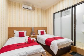RedDoorz Syariah @ Danau Kerinci Sawojajar Malang - RedDoorz Twin Room Last Minute Deal