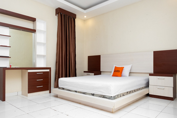 KoolKost near AP Pettarani Makassar - KoolKost Double Room Basic Deal