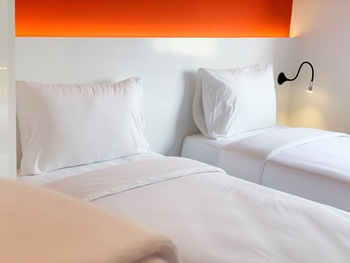 Starlet Hotel Jakarta Airport Tangerang - Superior Hollywood Twin Room with Breakfast Best Deals