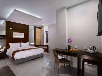 Permata Kuta Hotel Bali - Junior Suite Room Free Airport Transfer One Way Basic Deal Promotion