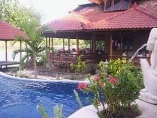 Divers Cafe & Bungalow Bali - Family Room with Breakfast Regular Plan