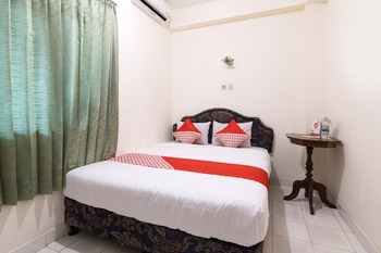 OYO 1412 Hotel Prayogo III Yogyakarta - Standard Double Room Regular Plan