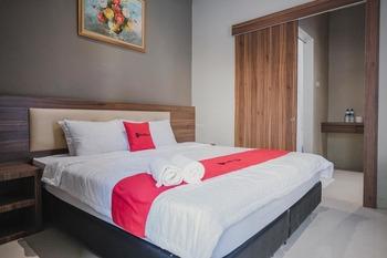 RedDoorz Premium @ Permata Baloi Green Batam - RedDoorz Room Basic Deal