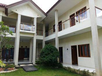 Villa Aleyra