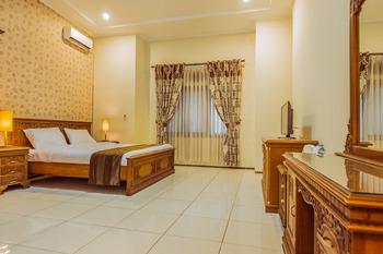 Aleyra Hotel and Villa's Garut Garut - Suite Room Regular Plan