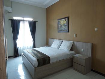 Aleyra Hotel and Villa's Garut Garut - Superior Room Regular Plan