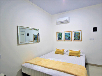 Nest Residence Jakarta - Queen Room April Deal!