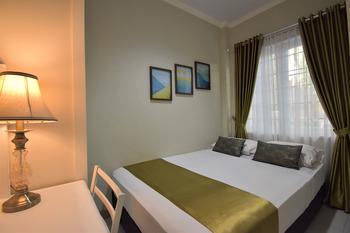 Nest Residence Jakarta - Queen Room June Deal!