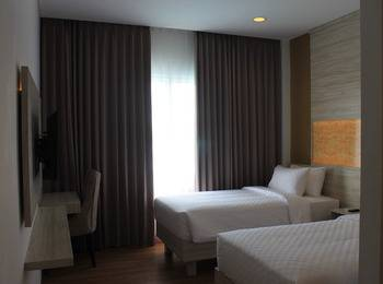 Celecton Blue Karawang Karawang - Superior Twin Room Regular Plan