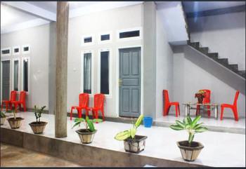 Tangkoko Guesthouse Minahasa Utara - Twin Bed Room Regular Plan