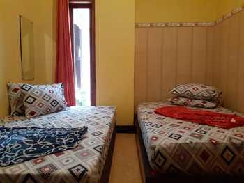 Villa Noxinn Malang - Villa 7 Bedroom Flash Sale