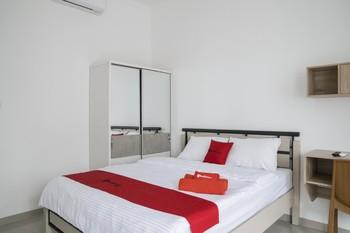 RedDoorz Syariah near RSUD Kota Bogor Bogor - RedDoorz Room AP 1