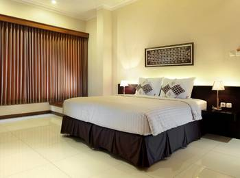 Kertanegara Premium Guest House Malang - Standard Queen Room Only Regular Plan