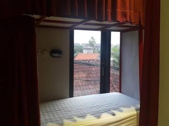 Bedplus Backpacker Seminyak Bali - 6 Beds Dormitory - Harga untuk 1 Tempat Tidur Regular Plan
